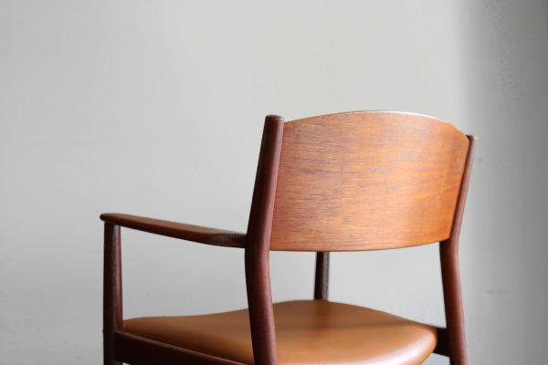 1s_armchair_1