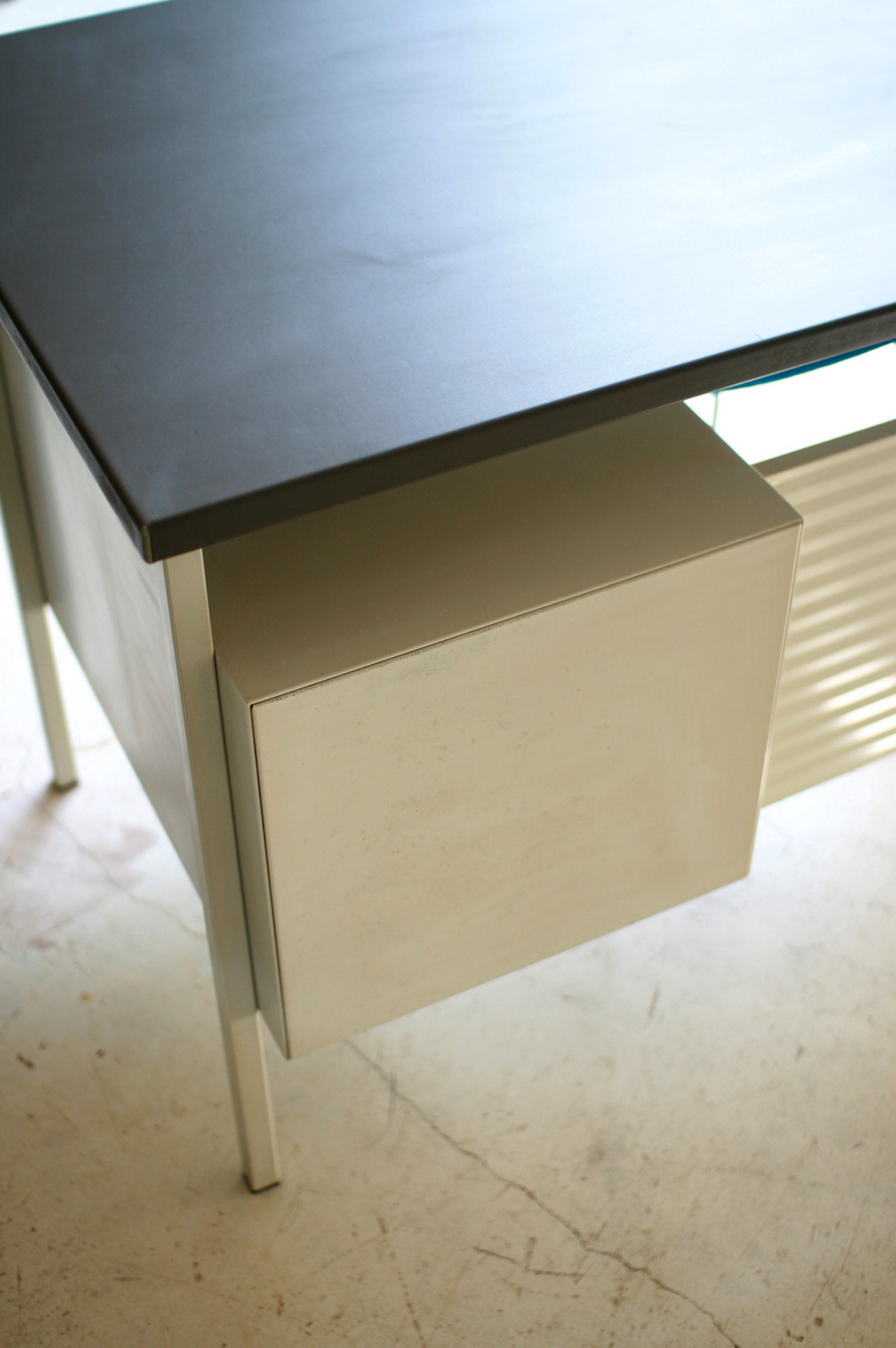 Desk_Gispen_4