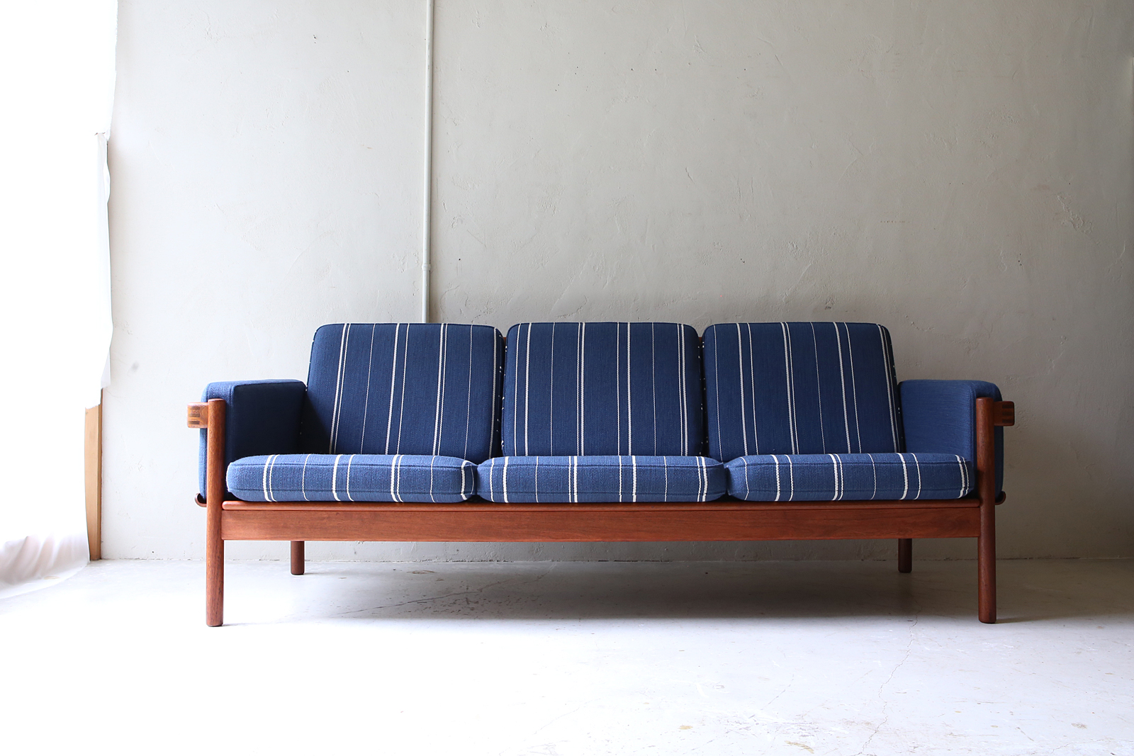 Sofa_sold3