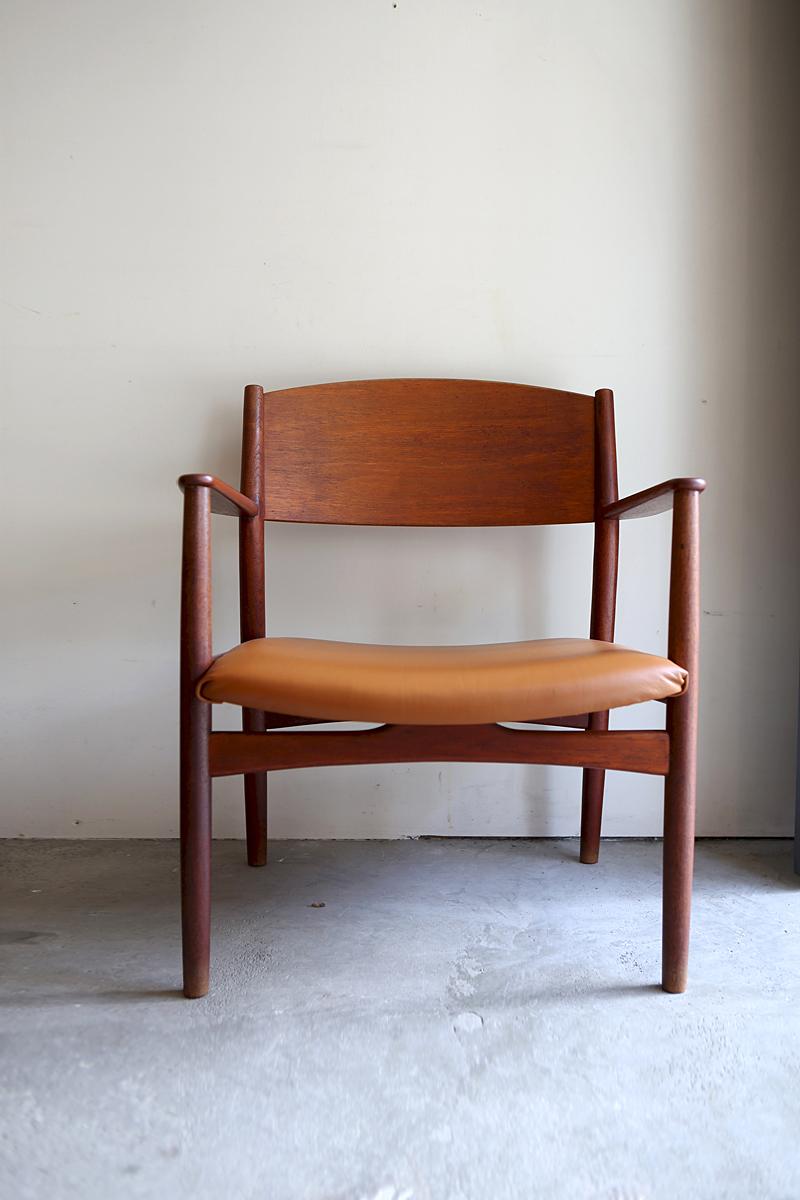1s_armchair_2
