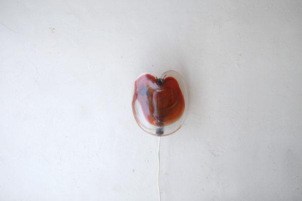 デンマークのガラスメーカー、ホルムガード(holegaard)社によるウォールランプ「Glasplattelampet」